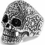 Anello con teschio ricco di dettagli in acciaio