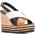 Sandali con fasce incrociate